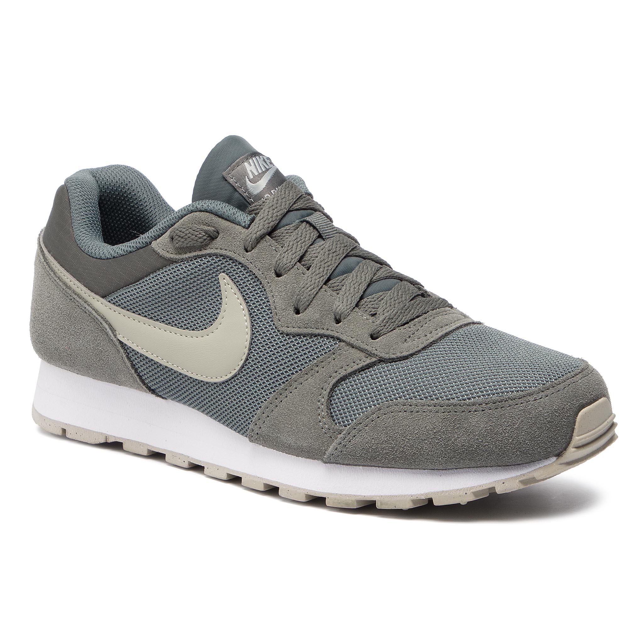 2895d1157e2b6 Shoes NIKE - Md Runner 2 749794 010 Black White Anthracite ...