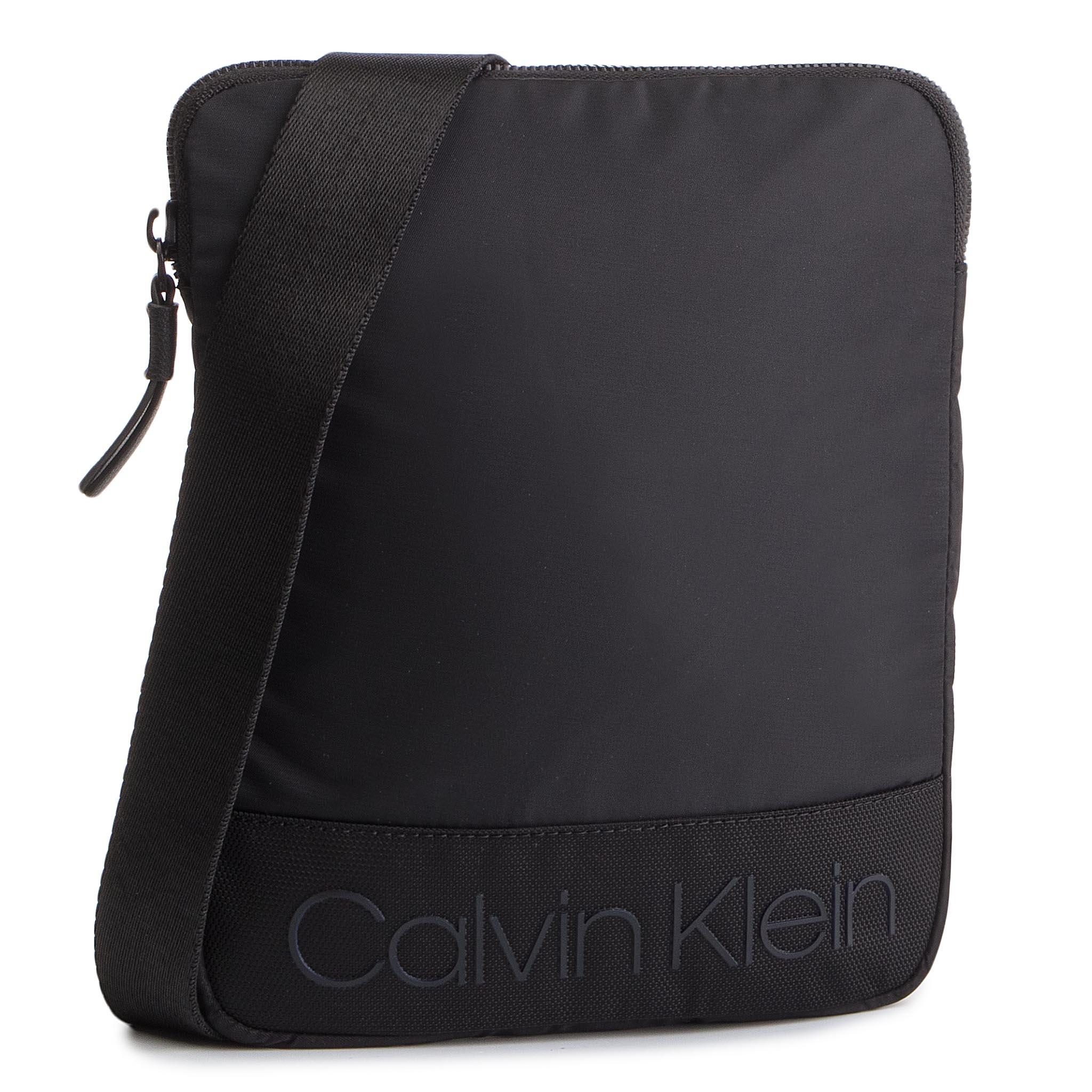 sports shoes d036e 53e2a Messenger Bag CALVIN KLEIN Shadow Flat Crossover K50K504393 001