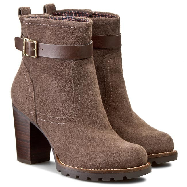 c69f42e56ad8 Boots TOMMY HILFIGER - Isabella 4C FW56819545 Mink Coffee 906 - Boots -  High boots and others - Women s shoes - www.efootwear.eu