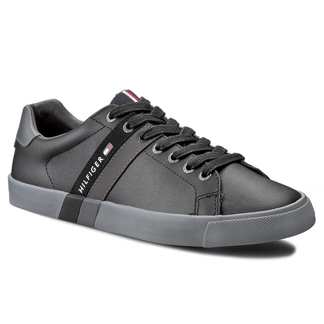 51b0c5be1 Sneakers TOMMY HILFIGER - Volley 5A FM56820557 Black 990 - Sneakers ...