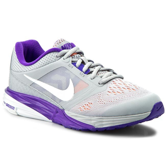 0e08a8810e11 Shoes NIKE - Tri Fusion Run 749176 009 Wlf Grey White Frc Prpl Atmc ...