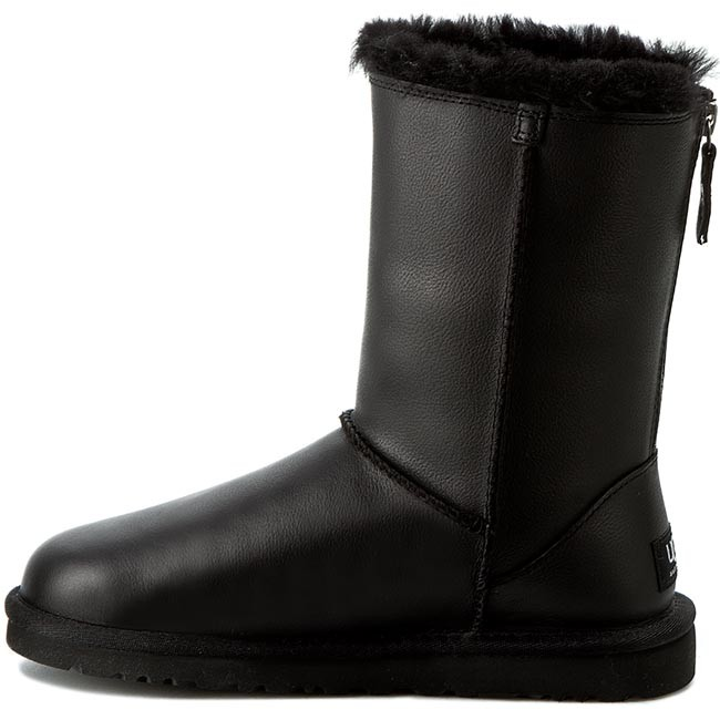 Shoes UGG - W Classic Short Zip 1013148 W/Blk - UGG - High boots and others - Women's shoes - www.efootwear.eu