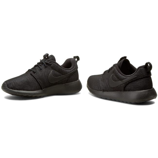029af29a7709 Shoes NIKE - Roshe One Moire 819961 001 Black Black White - Sneakers ...