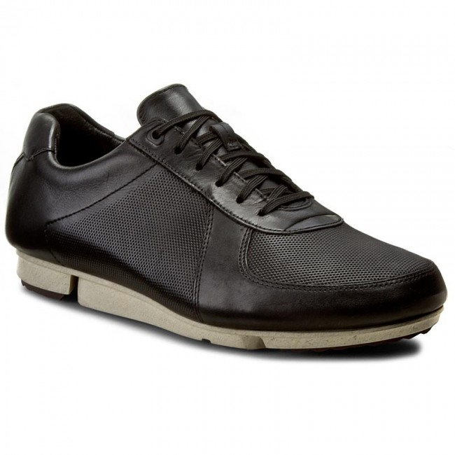Shoes CLARKS - Triturn Race 261207007 Black Leather