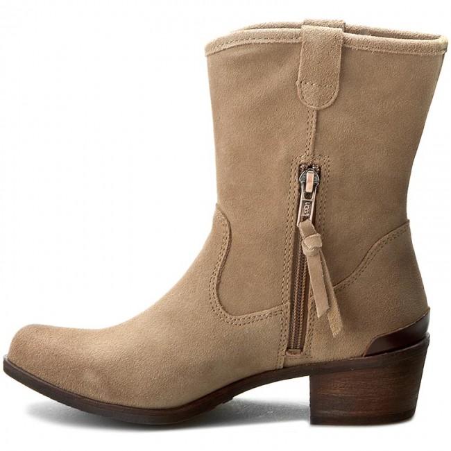 ef132a74556 Boots UGG - W Briar 1009198 W/Supn