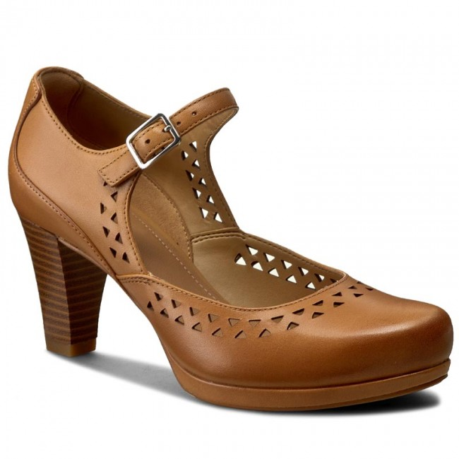Shoes CLARKS - Chorus Chime 261242194 Light Tan Leather