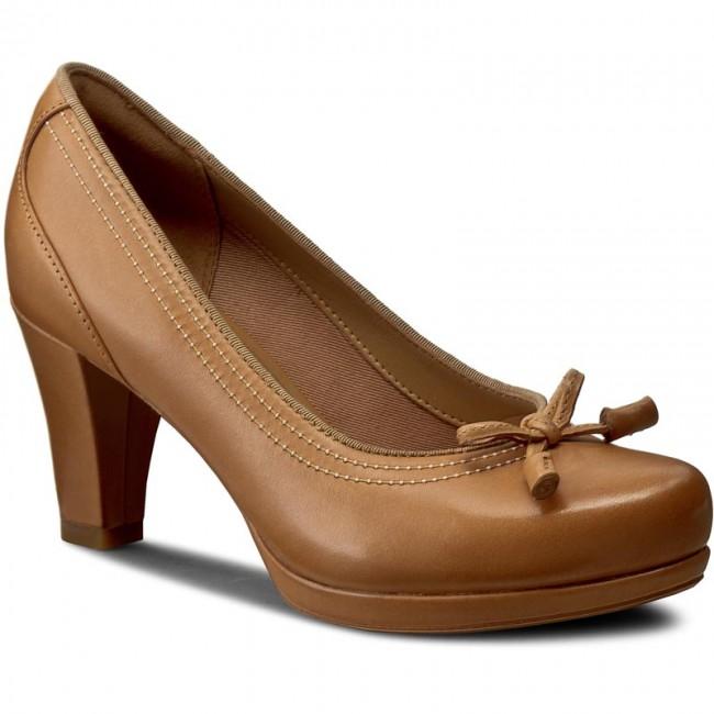 Shoes CLARKS - Chorus Bombay 261243284 Light Tan Leather