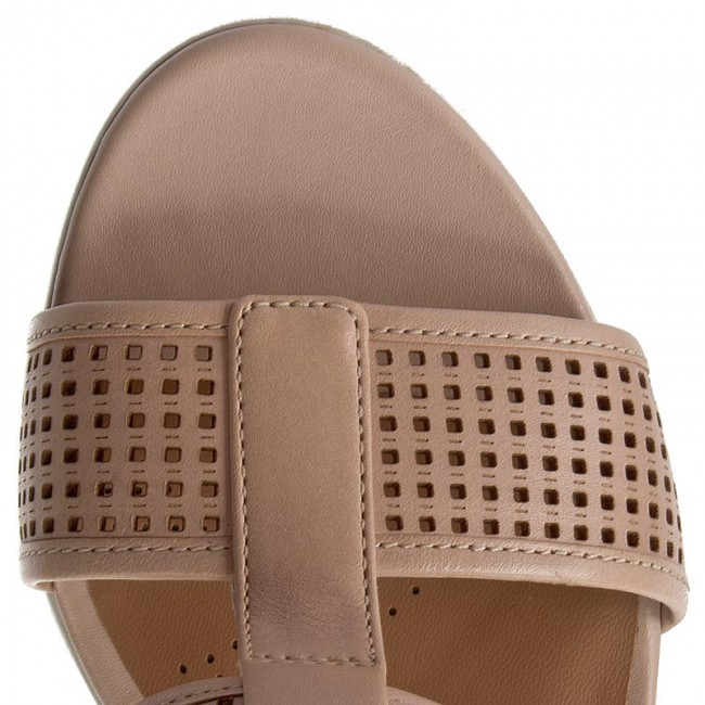 4df58a745644 Sandals CLARKS - Pastina Castle 261250644 Nude Leather - Casual sandals -  Sandals - Mules and sandals - Women s shoes - www.efootwear.eu