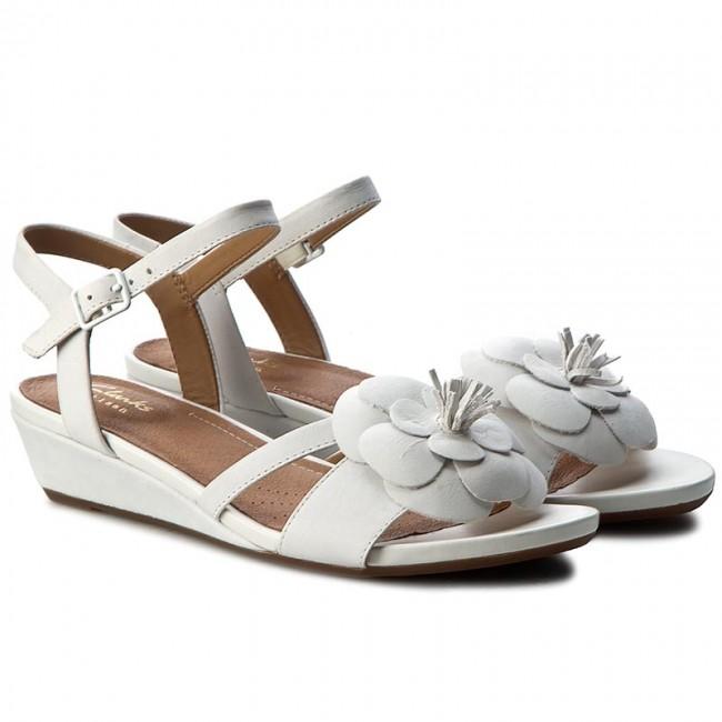 8d0f784c87f4 Sandals CLARKS - Parram Stella 261258984 White Nubuck - Casual sandals -  Sandals - Mules and sandals - Women s shoes - www.efootwear.eu