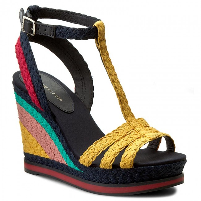 Sandals TOMMY HILFIGER - Vancouver 1S FW0FW00330 Old Gold/Midnight/Tango  Red 901