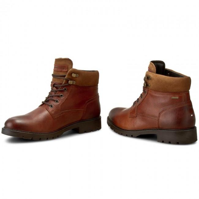 f87b5482d396f Hiking Boots TOMMY HILFIGER - Curtis 16A Gtx FM56821845 Winter Cognac 906