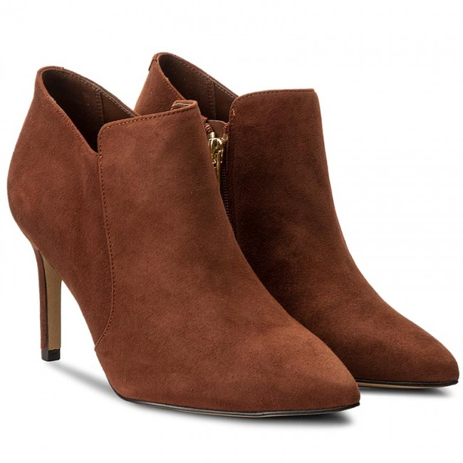 f1899e4f42004 Boots CLARKS - Dinah Spice 261267084 Dark Tan Suede - Boots - High boots  and others - Women's shoes - efootwear.eu