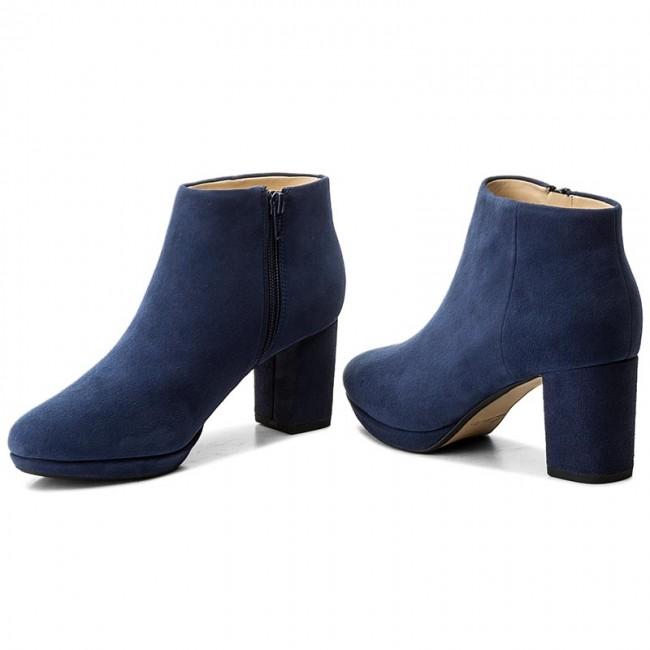 Boots CLARKS - Kelda Nights 261267254
