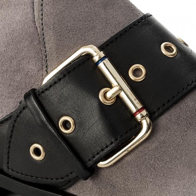 7c7cd00cafe9 Boots TOMMY HILFIGER - Gigi Hadid Flat Boot FW0FW02202 Light Grey ...