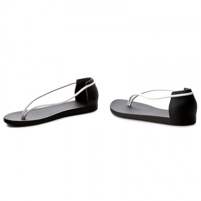 9d3176c37b5 Slides IPANEMA - Philippe Starck Thing N II Fem 82047 Black White 20829