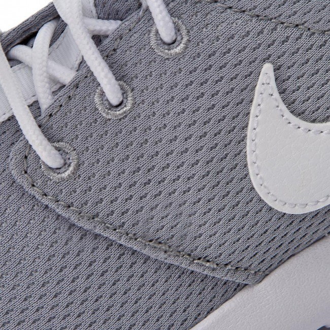 half off 7dc05 d3514 Shoes NIKE - Roshe One (GS) 599728 038 Wolf Grey White Safety