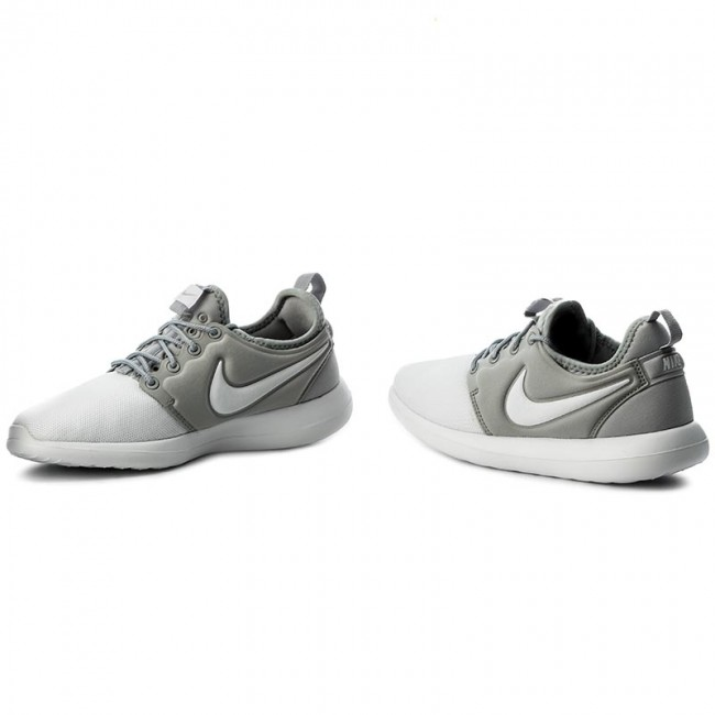 low priced e1822 5ca7a Shoes NIKE - Roshe Two (GS) 844653 100 White White Metallic Silver