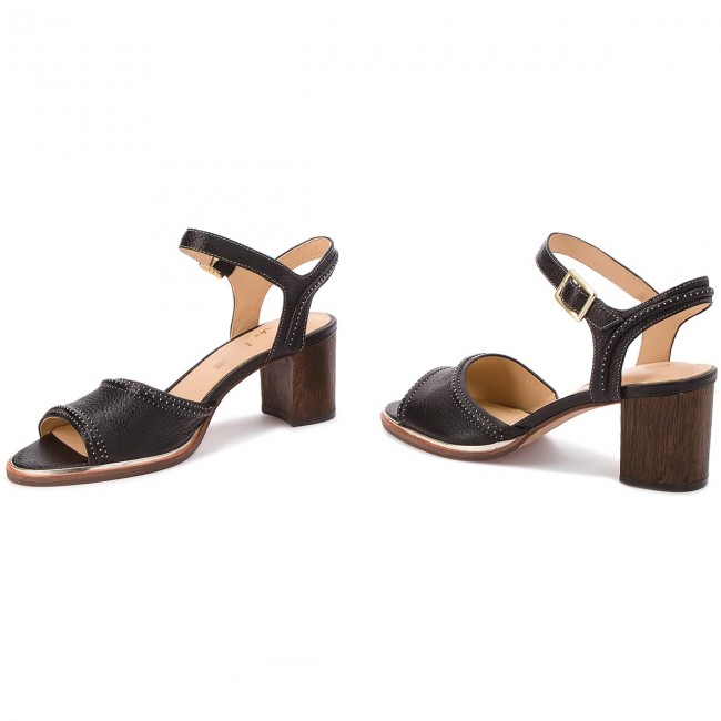 ba4d2197b36c Sandals CLARKS - Ellis Clara 261310694 Black Leather - Casual ...