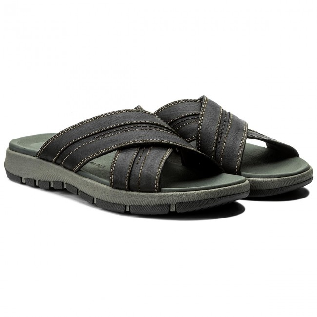 d2eea916375 Slides CLARKS - Brixby Cross 261315237 Black Leather - Clogs and mules -  Mules and sandals - Men s shoes - www.efootwear.eu