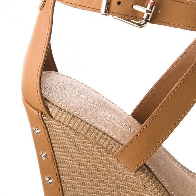 Sandals TOMMY HILFIGER - Feminine Wedge Sandal Stars Studs FW0FW02236  Summer Cognac 929 370a488221f