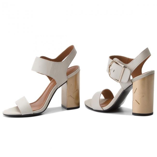 9fff7235a927fd Sandals TOMMY HILFIGER - Feminine Heel Oversized Buckle FW0FW02578 Whisper  White 121