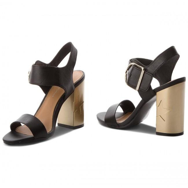 d19d51d547d6 Sandals TOMMY HILFIGER - Feminine Heel Oversized Buckle FW0FW02578 Black 990