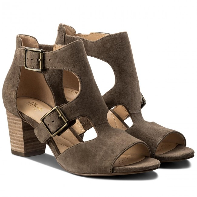 ecbb31dcb1042 Sandals CLARKS - Deloria Kay 261318674 Olive Suede - Casual sandals -  Sandals - Mules and sandals - Women s shoes - www.efootwear.eu