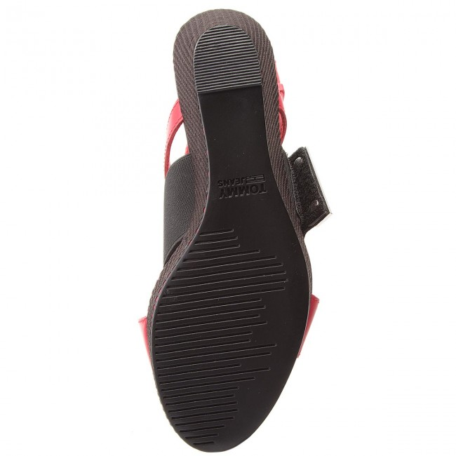 c002db07d2bf36 Sandals TOMMY JEANS - Material Mix Wedge Sandal EN0EN00048 Tango Red 611 -  Wedges - Mules and sandals - Women s shoes - www.efootwear.eu
