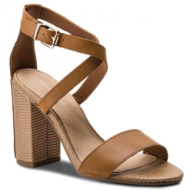 Sandalen TOMMY HILFIGER - Feminine Heel Sandal Star Stud FW0FW02235 Summer Cognac 929 VmdSlz