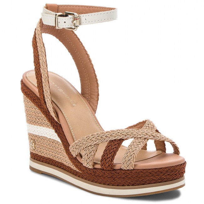 ce6d65585b33 Sandals TOMMY HILFIGER - Wedge Sandal Sporty Outsole FW0FW02251 Whisper  White 121