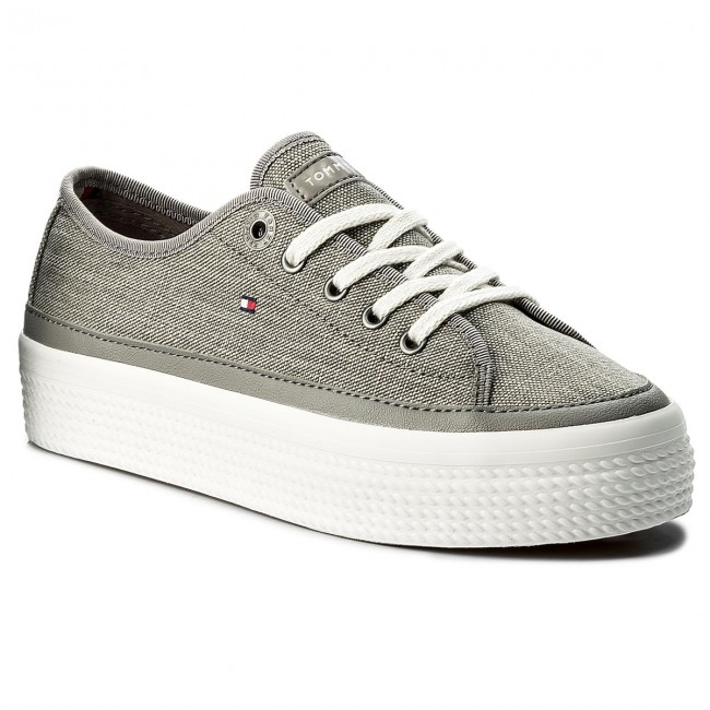 2552d202 Sneakers TOMMY HILFIGER. Glitter Textile Flatform Sneaker FW0FW02457 Light  Grey 004