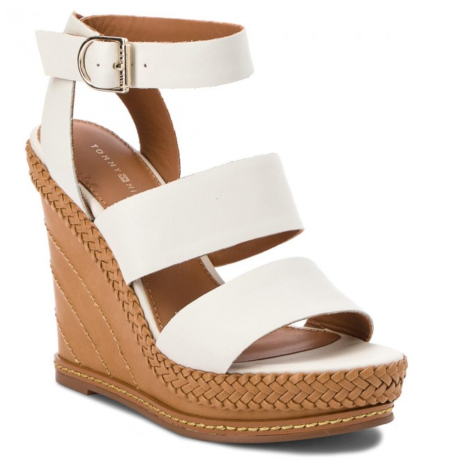 4e1bf2cd4a068 Sandals TOMMY HILFIGER - Elevated Leather Wedge Sandal FW0FW02575 Whisper  White 121