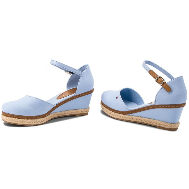 705947e6e6 Espadrilles TOMMY HILFIGER - Iconic Elba Basic Closed Toe FW0FW02838  Chambray Blue 407