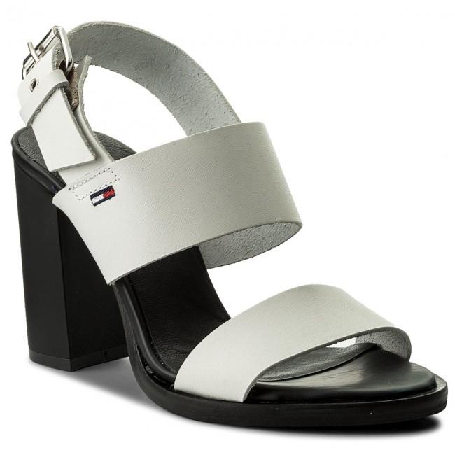 Sandalen TOMMY JEANS - Cool Leather Heeled Sandal EN0EN00215 Black 990 nce3ie