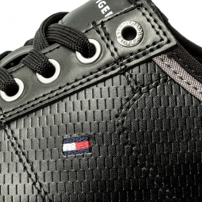 c6d9eeb64d Sneakers TOMMY HILFIGER - Core Corporate Leather Sneaker FM0FM01497 Black  990