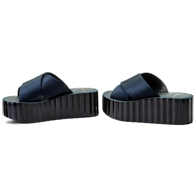3478835b980b9 Slides TORY BURCH - Scallop Wedge Flip Flop 39754 Perfect Navy 430 ...