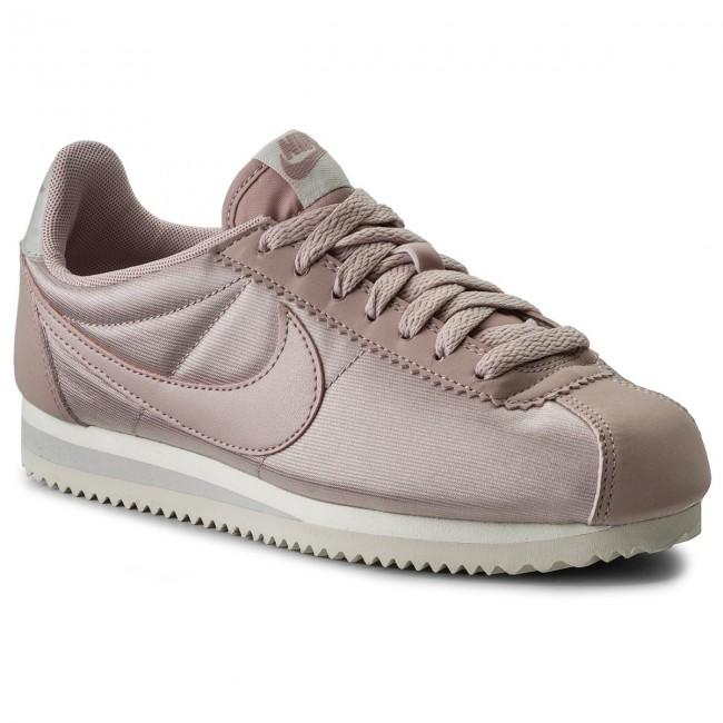 8ef0a81d6cb72 Shoes NIKE - Wmns Classic Cortez Nylon 749864 605 Particle Rose Particle  Rose