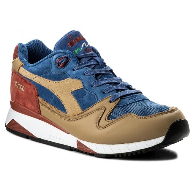 detailing 4eb00 9fe90 Sneakers DIADORA. V7000 Premium ...
