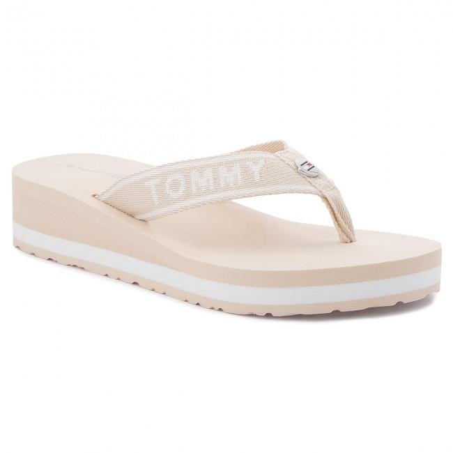 1900093834577 Slides TOMMY HILFIGER - Branding Beach Sandal FW0FW02953 Tapioca 639 ...