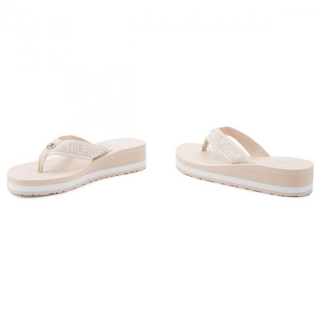 06f49ee6996138 Slides TOMMY HILFIGER - Branding Beach Sandal FW0FW02953 Tapioca 639 ...