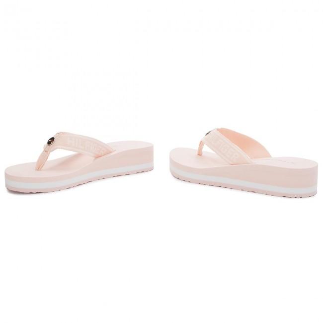 dad3ae43339e11 Slides TOMMY HILFIGER - Tommy Branding Beach Sandal FW0FW02953 Silver Peony  642