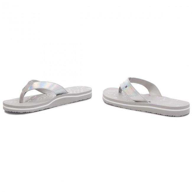 b81e73a456f Slides TOMMY HILFIGER - Mirror Sparkle Beach Sandal FW0FW02955 Diamond Grey  001
