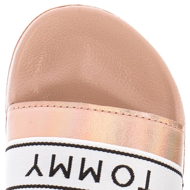 3b1c5481d8361 Slides TOMMY HILFIGER - Mirror Sparkle Beach Slide FW0FW03038 Dusty Rose  502 - Casual mules - Mules - Mules and sandals - Women s shoes -  www.efootwear.eu