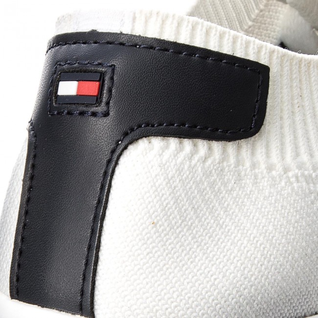 Plimsolls TOMMY HILFIGER - Lightweight Corporate Sneaker FM0FM01619 White  100 e8deb1f776a