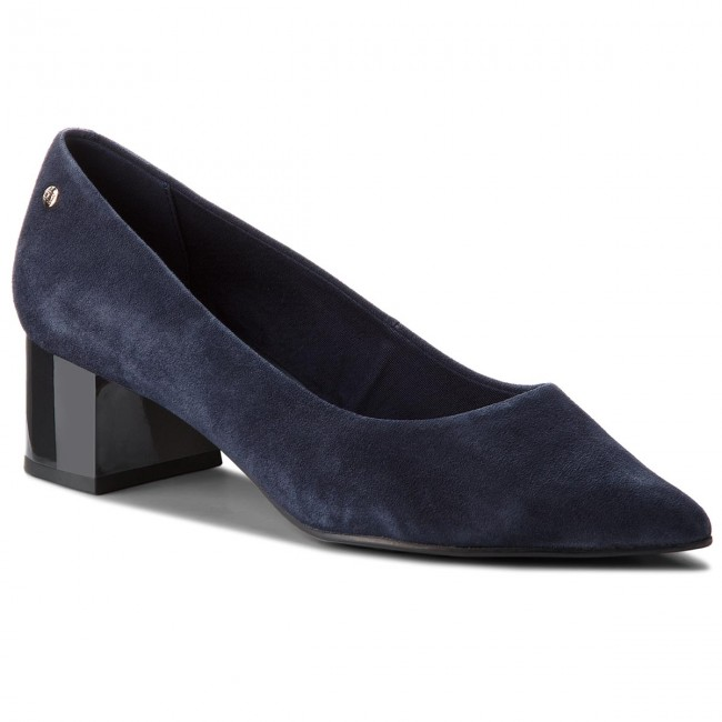 Shoes TOMMY HILFIGER. Elevated Suede Mid Heel Pump FW0FW03390 Tommy Navy 406 9a86d0f3c833