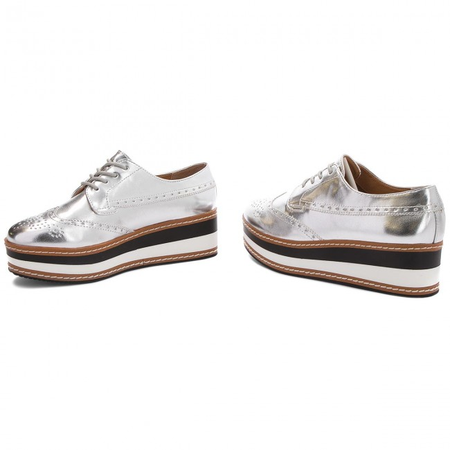 24ec3411779 Oxfords STEVE MADDEN - Greco Platform Lace-up 91001099-07004-14001 Silver