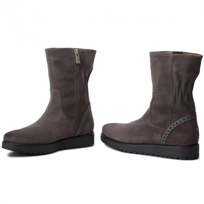 ec4b01a57b80 Boots TOMMY HILFIGER - Essential Suede Boot FW0FW03279 Steel Grey ...