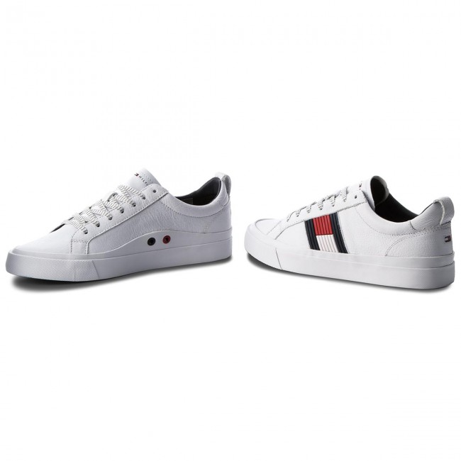 4863a9d787 Sneakers TOMMY HILFIGER - Flag Detail Leather Sneaker FM0FM01712 White 100