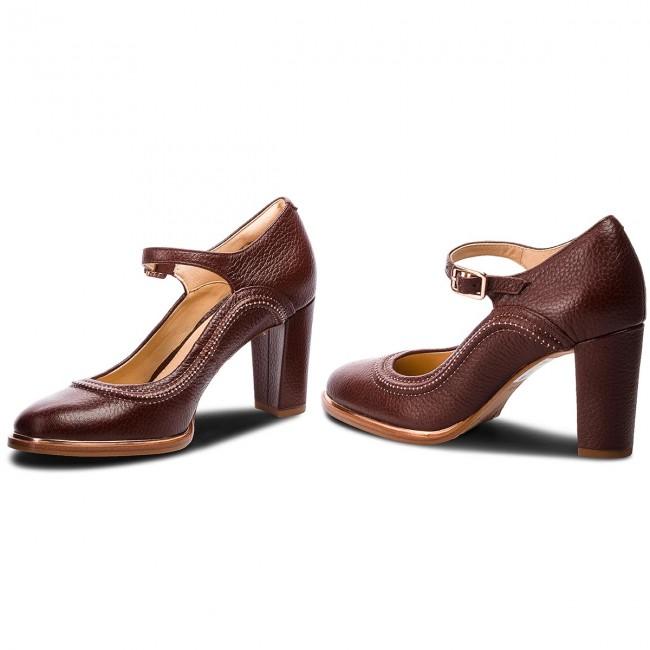 6a8de2f1aaa303 Shoes CLARKS - Ellis Mae 261351074 Tan Leather - Heels - Low shoes ...