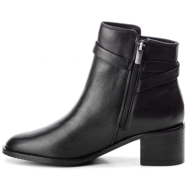 Boots CLARKS Poise Freya 261360064 Black Leather